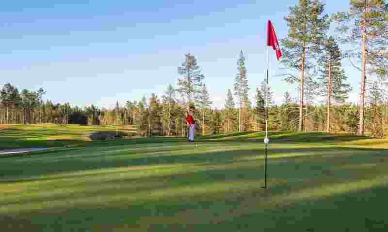 kuusamo-golf-putting-green-hor.jpg