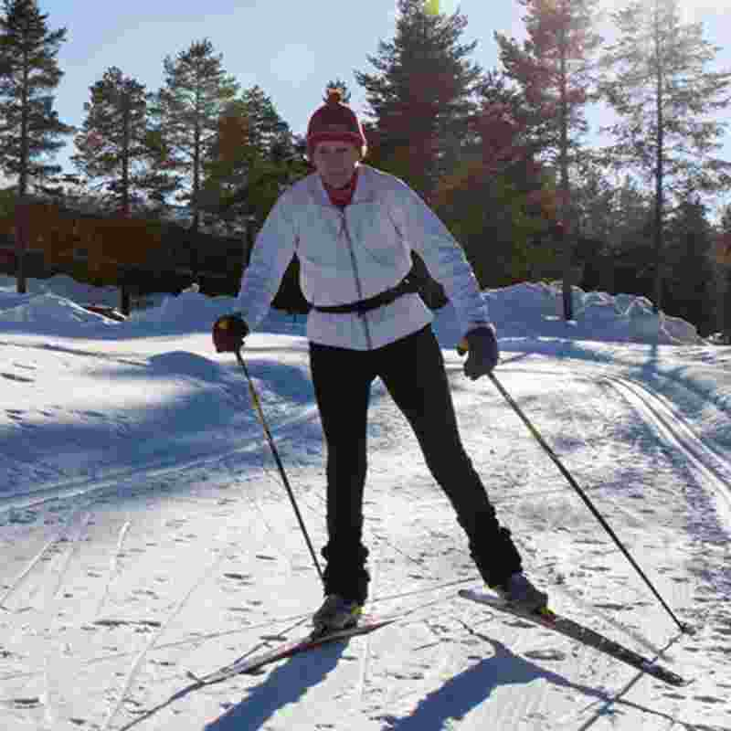 woman-skiing-squ.jpg