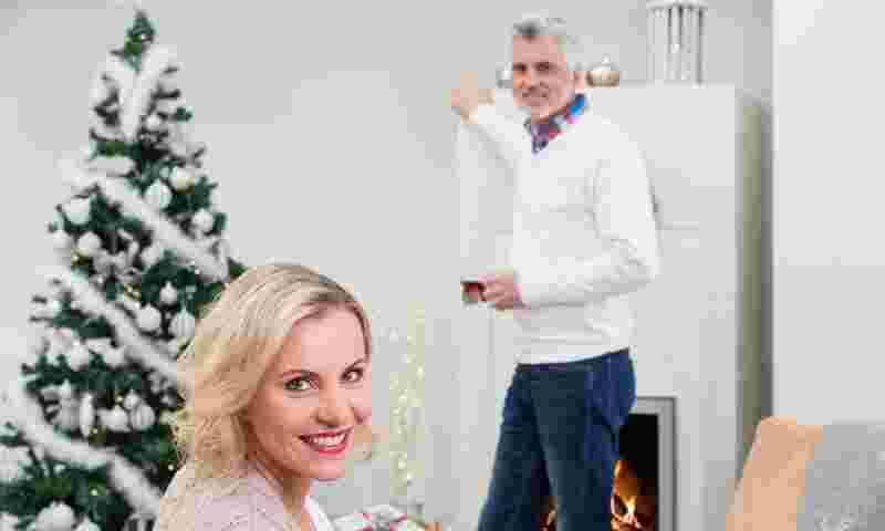 christmas-couple-smile-hor.jpg